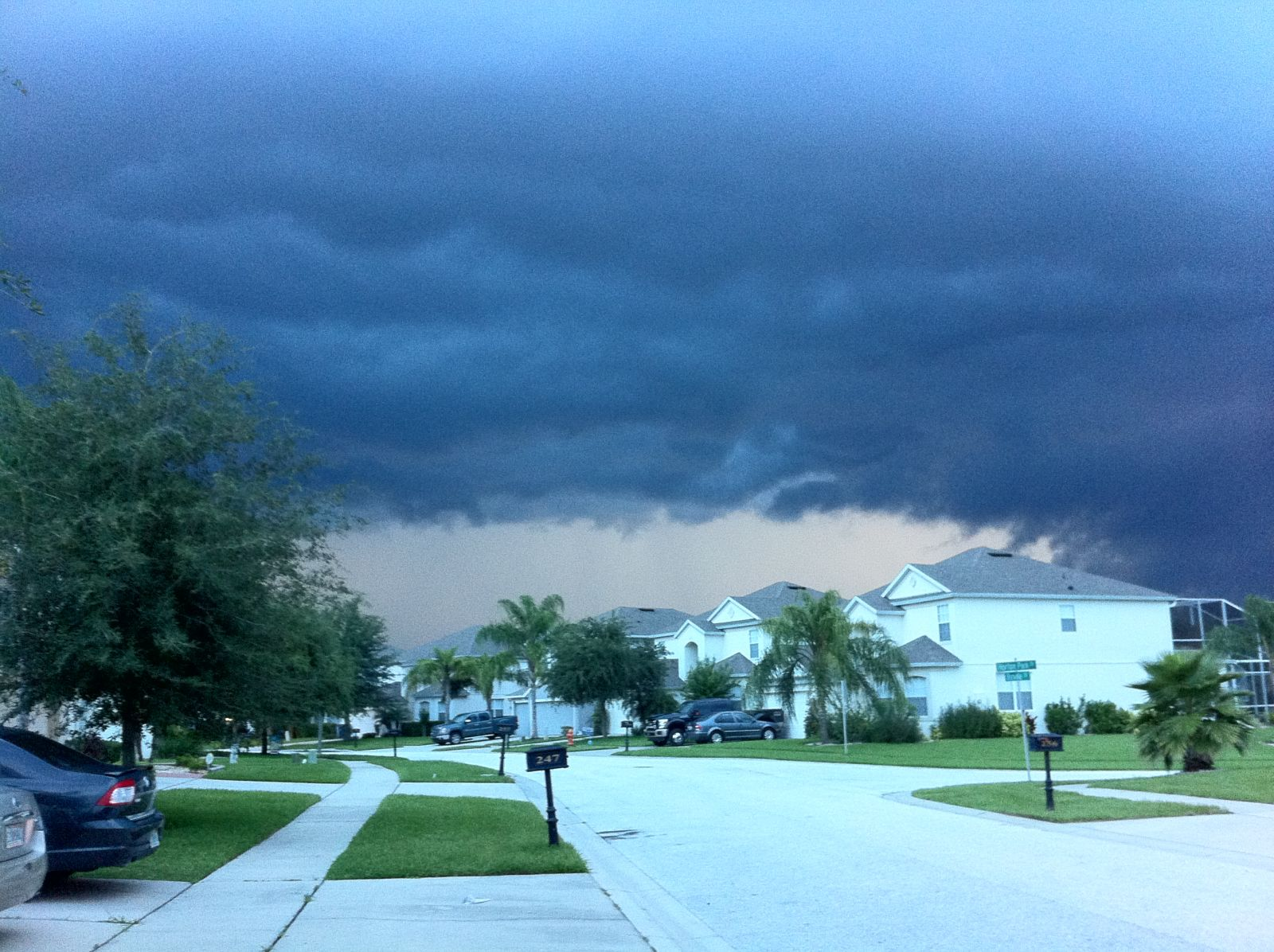 Severe Thunderstorm with weather warning attached rolling into Davenport, Florida