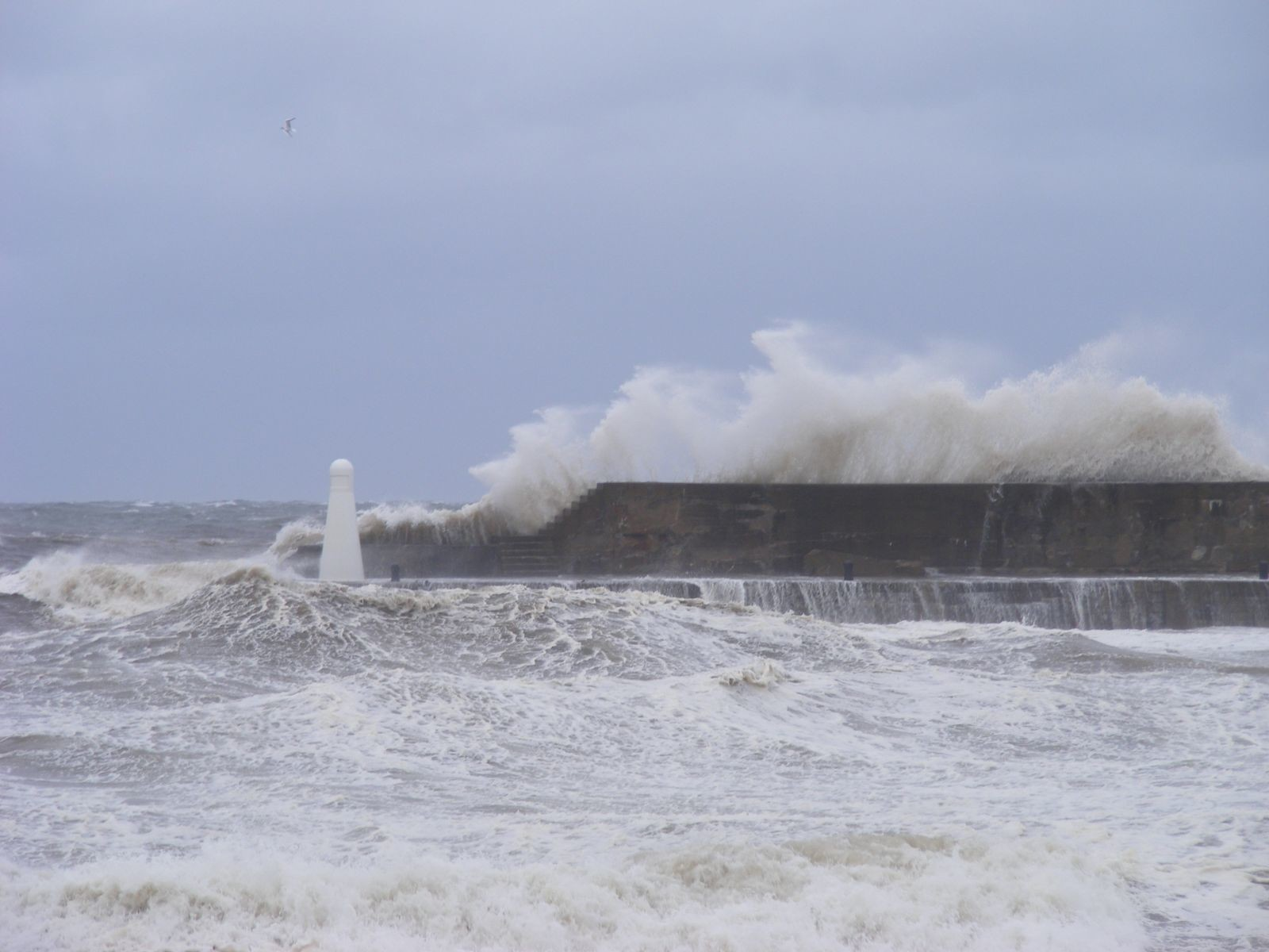 Stormy sea at Cullen Harbour (1)